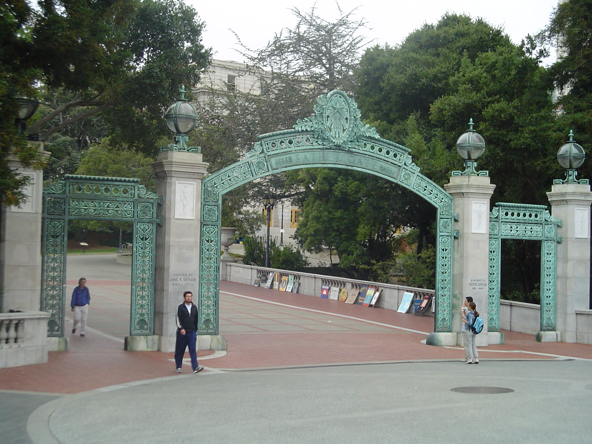 Berkeley_gate